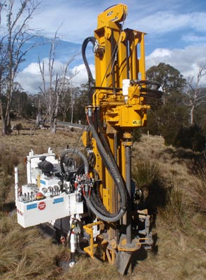 KMR Drilling RIG NO. 7) HYDRAPOWER TREKKER 2100